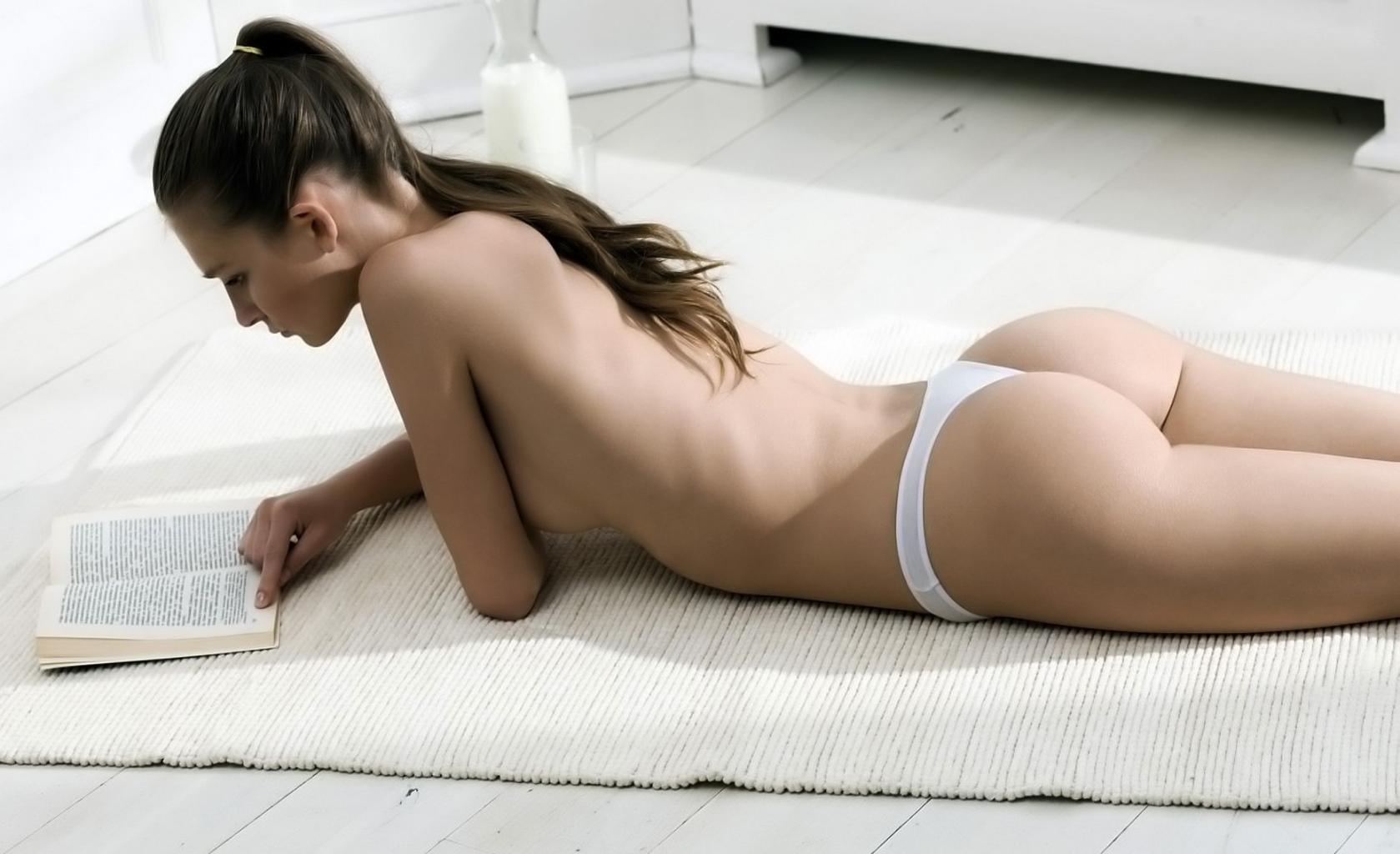 XXX mamičky videá - zrelý porno, domáci porn, MILF mačička Luxusné večierky plné erotiky: Chceli by ste.